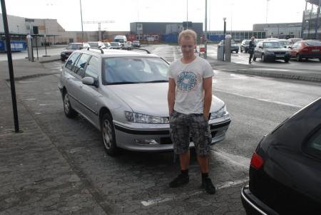 Der var sjølvsagt og Falke med bilen vår!
