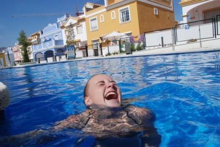 Eg veit ikkje om nokon som er gladare å bada enn Kitty Karina!
