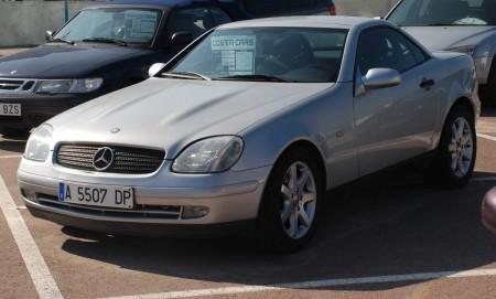 Ein Mercedes cabriolet til kr. 80.000 - ikkje dårleg. Ser mange av desse her!