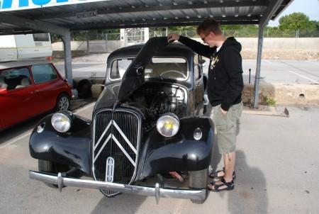 Denne bilen har eg veldig lyst på! Det ein Citroen Traction 1954 modell.