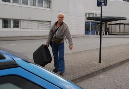 """""""Heim"""" (?) igjen. Gry kjøyrde meg til Sola flyplass."""