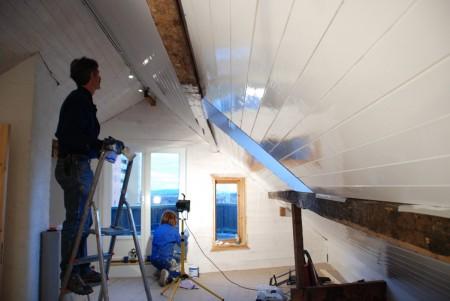Det fine loftet som OP har laga nærmar seg fullføring.