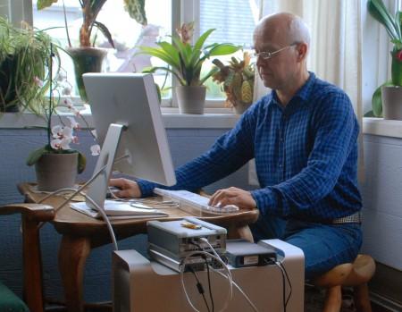 Datamaskina mi hos Dag Bjørnsen i september. Merk alle diskane.